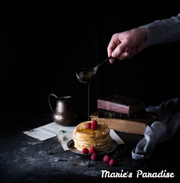 pancakes-hand-4